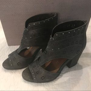 Maurices Shoes - Maurice's Booties Boots Size 8 Dark Gray